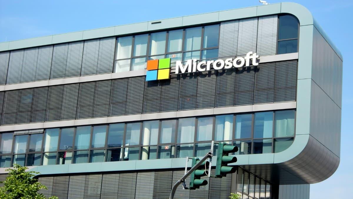 Is Microsoft Windows 10x a threat to Chrome OS and Chromebooks